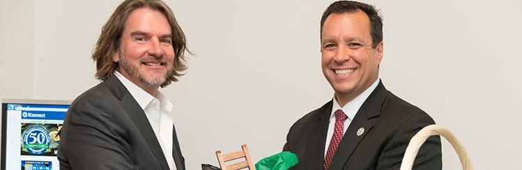 MWCC Alumni of the Year - Kevin Berg and Mayor Mark Hawke
